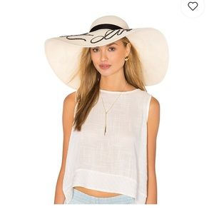 "Authentic Eugina Kim ""Do not disturb"" hat ivory"
